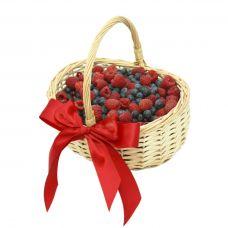 Корзина с ягодами Ягодный рай